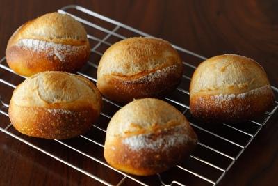 銅板で焼いたハードパン(ミニクッペ)