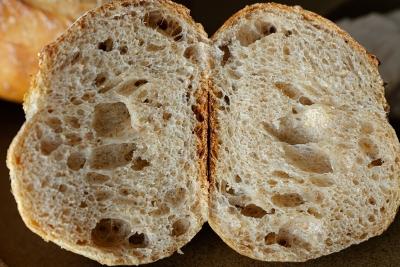 ZWILLINGのパンナイフで切ったハードパン